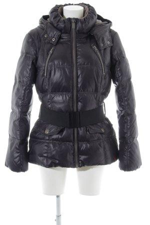 edc Daunenjacke lila-schwarz Street-Fashion-Look