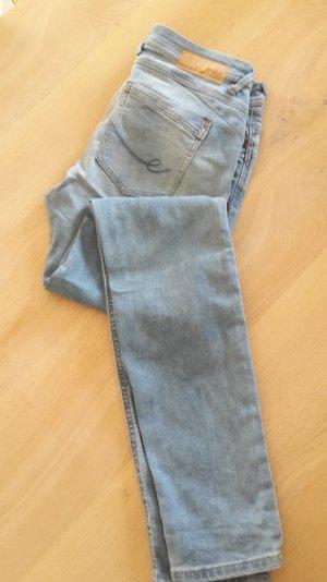EDC Jeans hervorragender Zustand