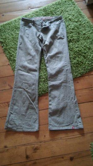 EDC Jeans oliv in Größe 36