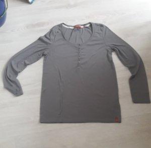 EDC Langarmshirt grau Größe 40 mit Ersatzknopf