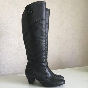 EDC Stiefel in schwarz