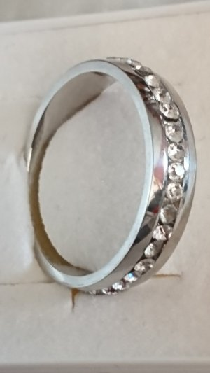 Edelstahl Ring mit Zirkonia Steinchen Gr .20