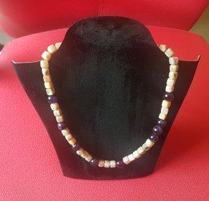 Collar rosa claro-violeta grisáceo
