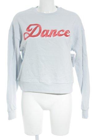 Edited Sweatshirt babyblau-hellrot Schriftzug gestickt sportlicher Stil