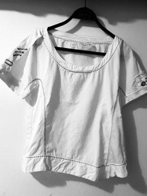Edle Bluse mit vielen Details