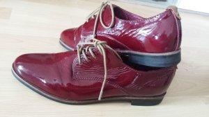 Bugatti Zapatos brogue rojo oscuro Cuero
