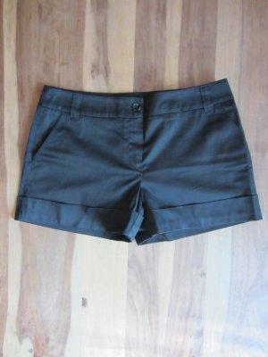 Edle Hotpants, schwarz – Gr. 36