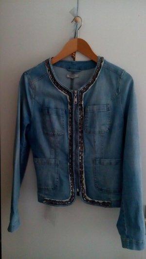 Edle Jeansjacke mit Schmuckaplikationen