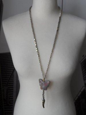 edle Kette aus facettierten Glassteinen Grau Silber Weiß mit Schmetterling NEU