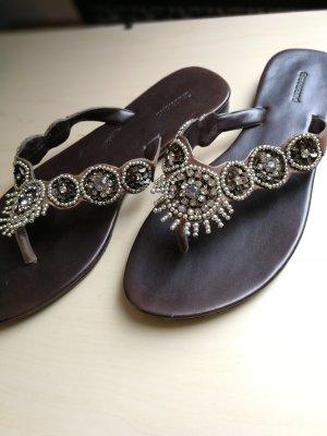 Edle Sandalen mit Steinen