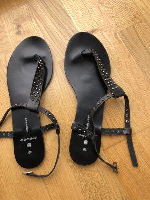 Pieces Sandalo toe-post nero Pelle