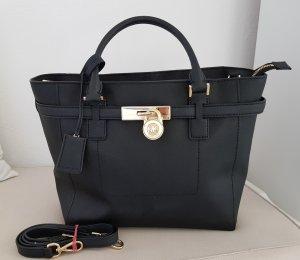 b9f8235d608e8 Edle schwarze Handtasche von Michael Kors