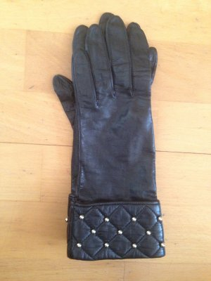 Edle Schwarze Lederhandschuhe mit goldenen Noppen Chanel Optik