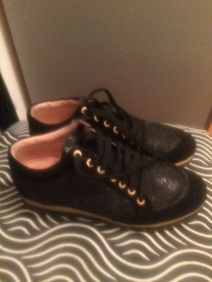 Edle Sneakers von UNISA