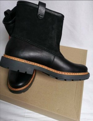 Clarks Winter Booties black