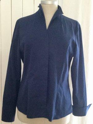 Edle taillierte Bluse mit flexibler Kragenlösung  +++ Wenn Sie das Gefühl haben, wir könnten uns auf einen Preis einigen ... so senden Sie mir doch Ihre Preisvorstellung +++