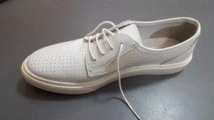Edle Tamaris Sneaker aus Leder