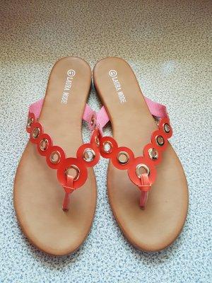 edle u wertige Sandalen in korall-orange mit goldenen Nieten #Grösse D40/D41