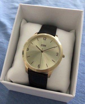 Edle vergoldete Armbanduhr von STORM London