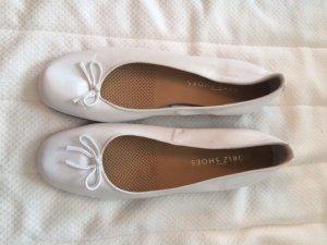 Edle weiße Ballerinas aus Leder, neu