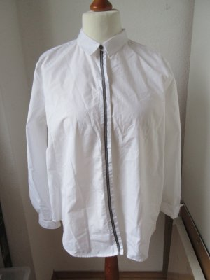 Edle weiße Bluse mit Ziernaht