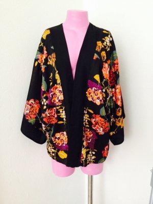 Edler Concious Collection Kimono mit Blumen