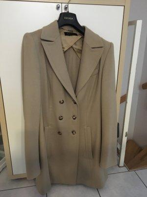 Edler Mantel aus Schurwolle und Kaschmir von Escada