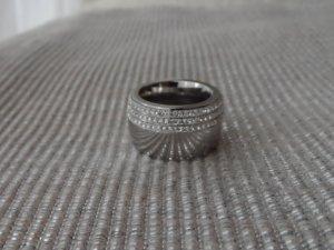 edler Ring aus Edelstahl mit sehr vielen Glitzersteinen Gr.17 (54)