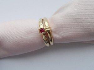 edler Ring Gr. 54 aus 585 Gold mit einem Rubin und 4 Zirkonia Steinen