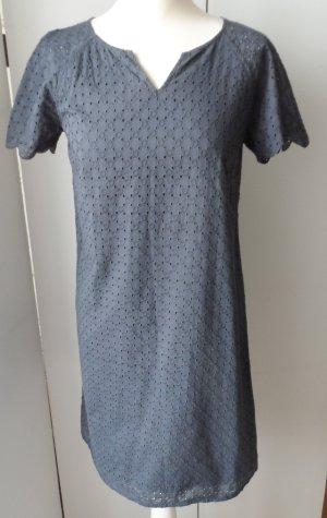 edles Cyrillus Kleid mit Lochstickerei Gr. 36 Graublau