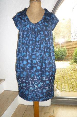 edles Kleid aus Seide von CLOSED