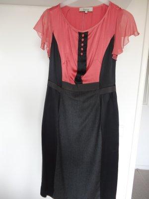 Edles Kleid aus Wolle und Seide