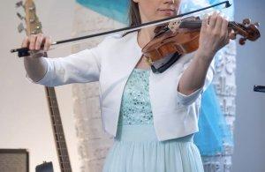 Laona Robe à corsage turquoise-bleu clair