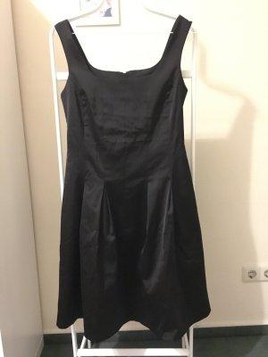 Edles Kleid in schwarz Gr. 36 von Orsay