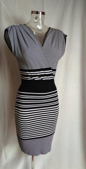 edles Kleid mit Streifen figurbetont neuwertig!
