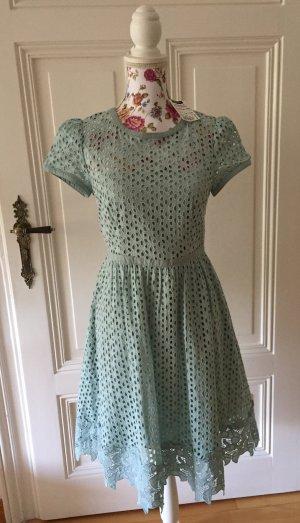 Edles Lochstickerei Kleid mit Spitze von Hallhuber NEU