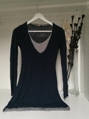 edles Longshirt in dunkelblau/grau