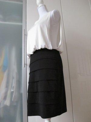 Edles schwarz-weißes Kleid
