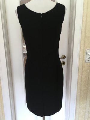 Edles schwarzes Cocktailkleid von Madeleine