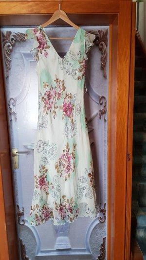 Ein blumiges Sommerkleid