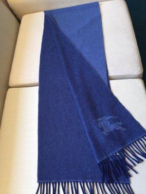 Ein Cashmere -Schal von Burberry