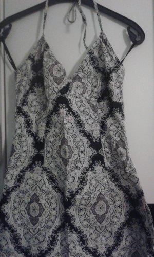 Ein Damen - Kleid