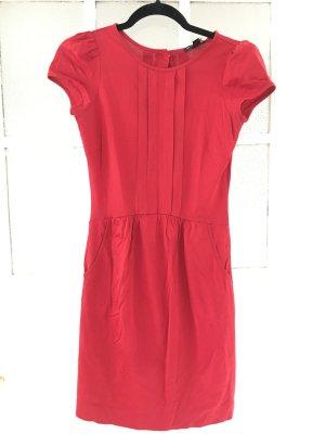 Ein echter Hingucker: Kleid von Mango
