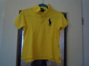 Ein gelbes Polo Ralph Lauern Shirt mit engem sitz