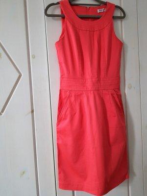 Ein Hingucker Cocktailkeid Partykleid von ORSAY Gr. XS, Apricot