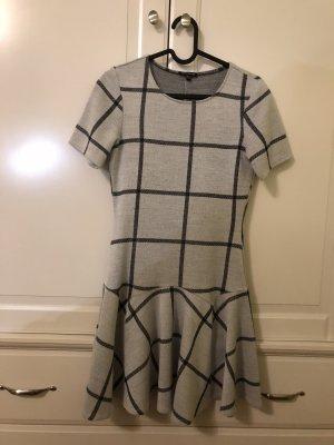 Ein kariertes Kleid Warehouse XS