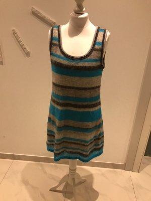 Ein Kleid/Tunika von MarcCain