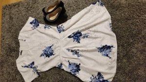 Ein Kleid zu verkaufen