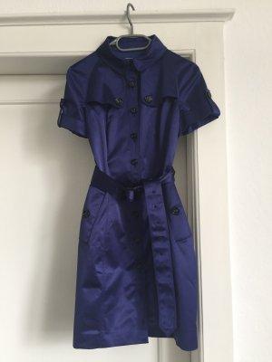 Ein Mantel-Kleid von Burberry