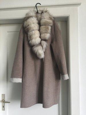 Ein Mantel mit Pelzkragen von BASLER!